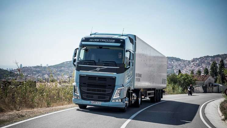 Gambar Modifikasi Truk Volvo Gosip Atau Fakta Mengemudi Truk Buatan Eropa Lebih Rumit