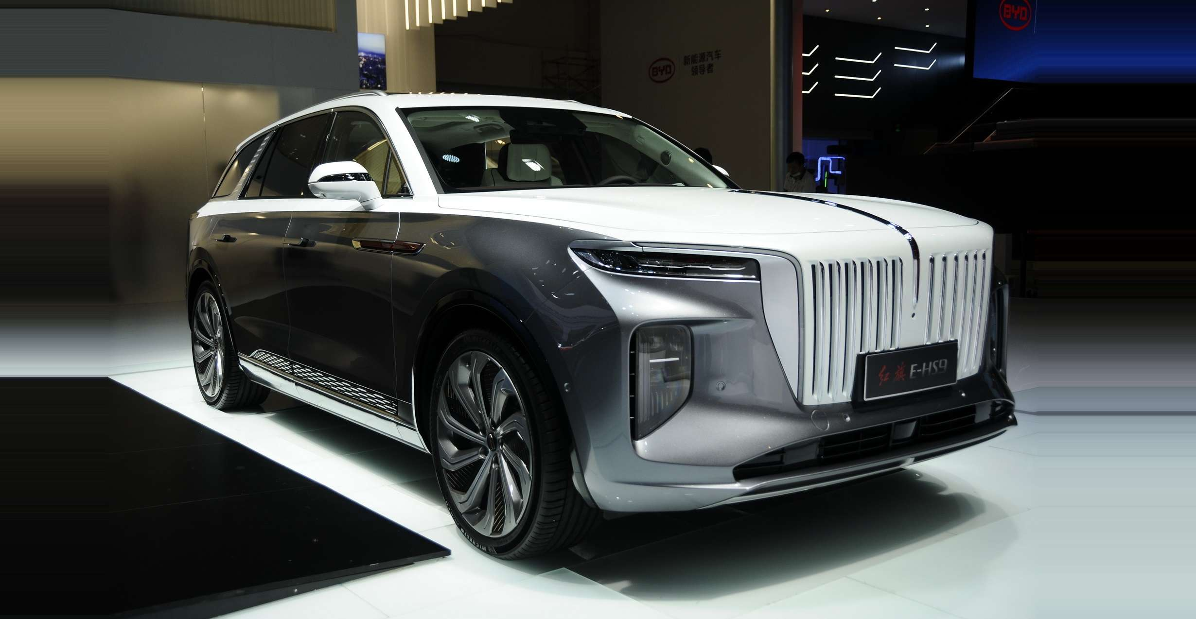 Kenalin Hongqi E Hs9 Mobil Mewah China Pakai Tenaga Listrik